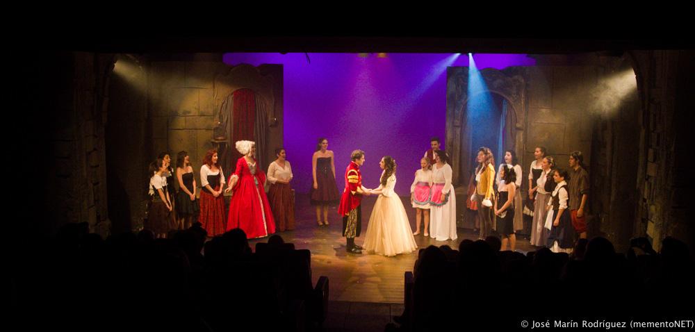 Final musical La Bella y la Bestia